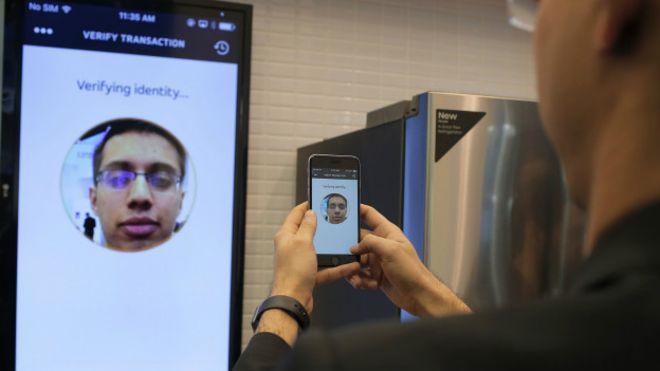¿Qué te parecería pagar a través de un selfie?